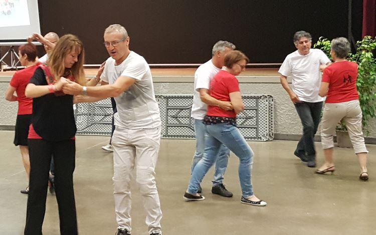 Danse de salon à Léo Lagrange
