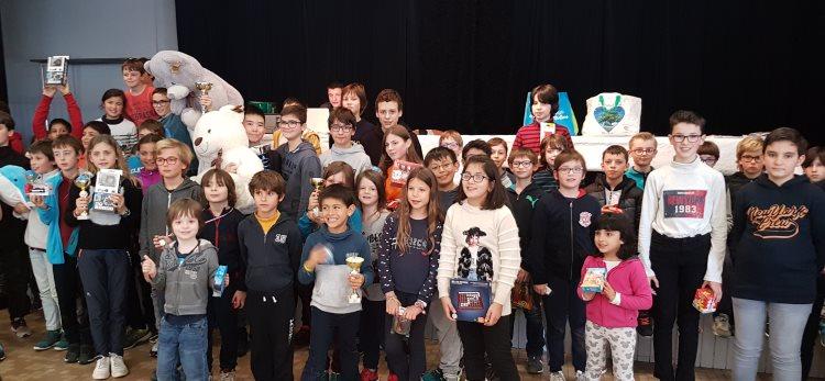 Les vainqueurs du tournoi rapide jeunes d'échecs 2019